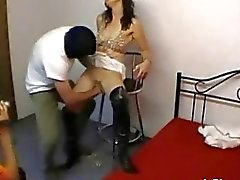 Amateur slut fist fucked in a cheap motel room