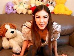 Webcam kauneus ja hänen lelut ovat yksin seksiä