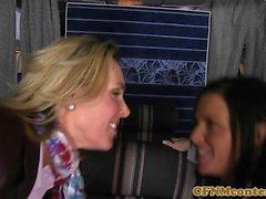 hostess CFNM sbattuto in Aereo fourway
