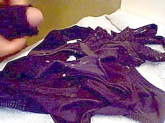 All Black Panties - Moms op haar periode