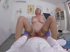 sexo médico POV com a mãe peluda