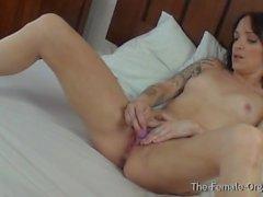 Biker Babe Masturbação com Real Orgasmo contrações