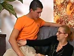 Anal Granny in Meias fica cum seus óculos