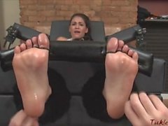 Non-stop Foot Tickling Jade