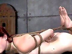 Amarrado del amante del bdsm de Ashley Lane, azotados