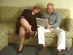 Do Granma recebe perfurados por Granpa no sala de visitas