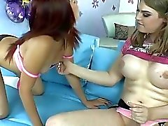 Shemale Tiffany Starr fucked Leah Cortez