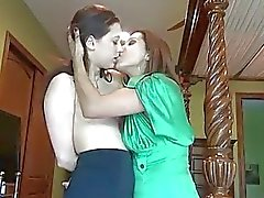 Naughty Georgia Jones smooches con la de Francesca El