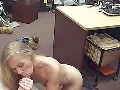 College-blonde Blowjob Dreier und Blasen Wichsen Finish
