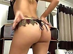 Teen tranny gets her sweet cock wanked off