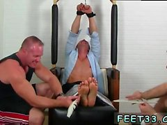 Images de gay renflement fétiche Gordon Bound & Tickle d
