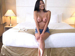 TeensDoPorn - tettona Asian Chick viene scopata hard
