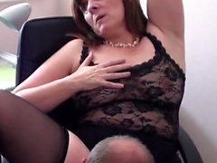 British Milf si esibisce in webcam