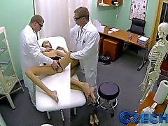 Czech - Doctor makes sexy patient squirt