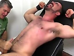 Baba adam gay filmleri porno Dolan Kurt sarsıldı & Tickled
