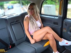 Fake Taxis Milf Bianca baise finlandaise Objectif free ride