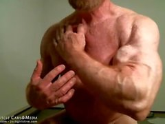 Muscle Meister Tom Herr Flexing