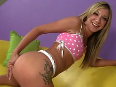 Blonde teen likes to get boned