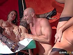 Man makes milfs Veronica Avluv and Nora Noir squirt