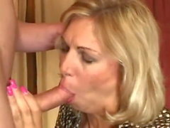 Zena 45 anni Old MILF Casted