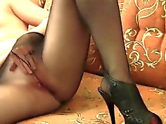 Sale fille masturbe Alors en collants