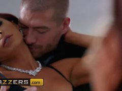Brazzers - Madison Ivy Xander Corvus - The Greatest Gift Of All