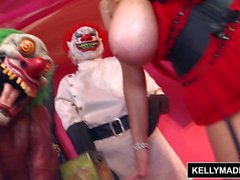 Kelly Madison insana del payaso de gatito
