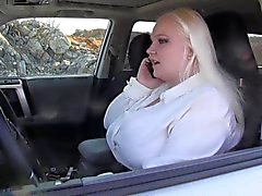 viziosa in automobile