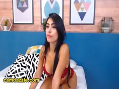 Hot Latina Shows Off Seductive Performance On Cam