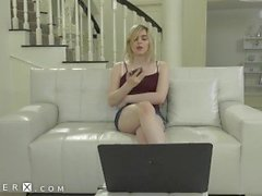 GenderX - ST Babysitter interferito Camming On The Job