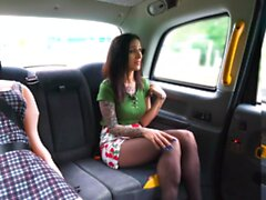 Falso Taxi Sex Doll Watches Cabbie Cheat con BOBA
