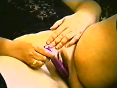 Mature lady knows what gets her off